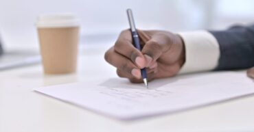 How to Write IELTS Formal Letter: The Dos and Don'ts