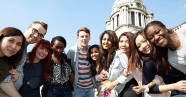 Guide on How to Apply for Scholarships in UK
